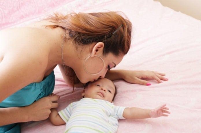 szülési szabadság