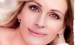 http://www.guardian.co.uk/media/2011/jul/27/loreal-julia-roberts-ad-banned#