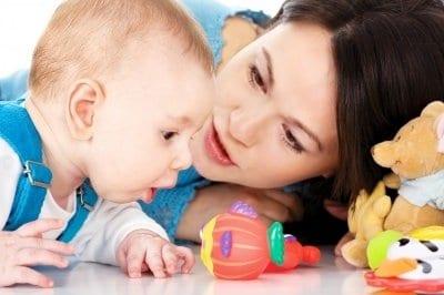 a csecsemők mászva fogynak