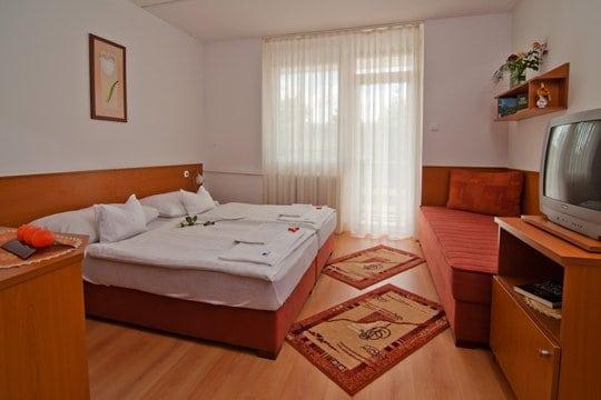 Hotel-Napfény-csaladi-szoba