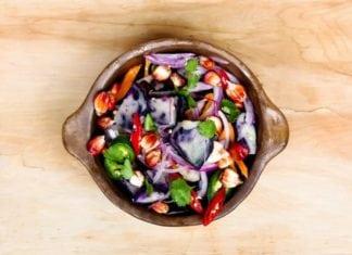 zöldségek kerámia tálban