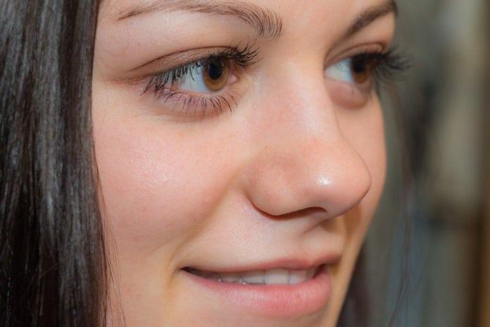 női arc közelről