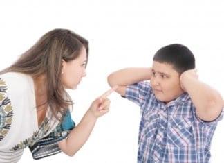 anya leszidja a fiát