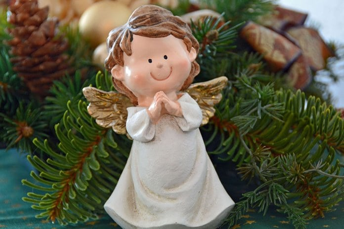 karácsonyi angyalka figura