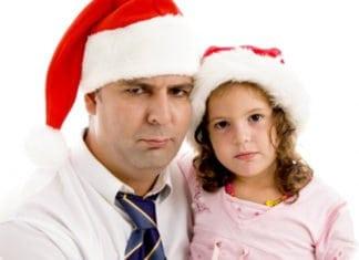 apuka kislányával mikluássapkában