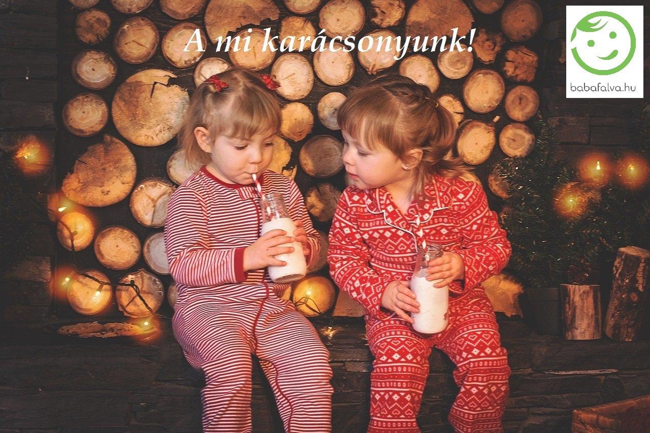 horgolt babacipő a karaácsonyfán
