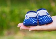 kék babacipő