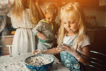 Főzés gyerekekkel