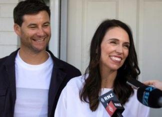 Várandós Új-Zéland miniszterelnöke