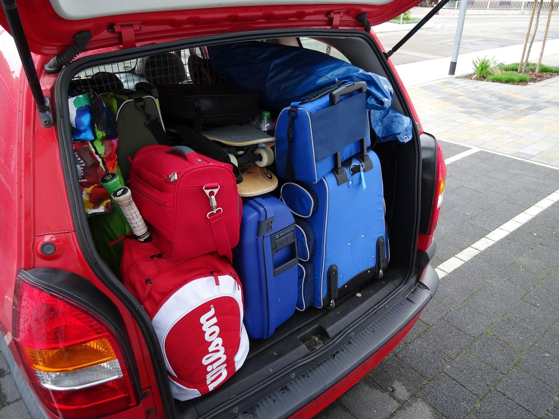 csomag-autó-pepitablog
