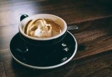 Szabad-e terhesen koffeintartalmú italokat inni?